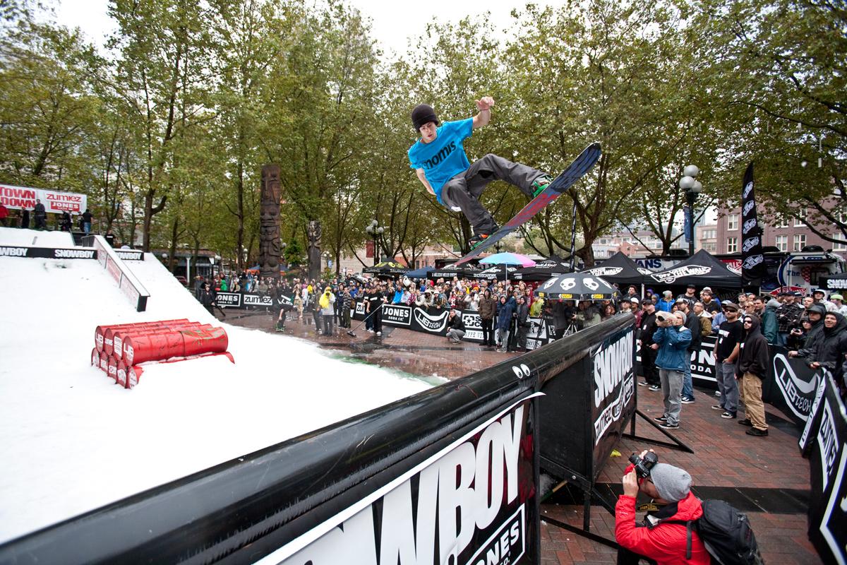 Austin Hironaka – DTTD / Seattle – Pat Lennox Wright Photo